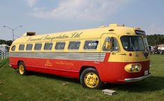 1947 Flxible Clipper Bus by carphoto Vintage Trucks, Old Trucks, Vintage Auto, Retro Bus, Bus City, Automobile, Engin, Bus Coach, Bus Conversion