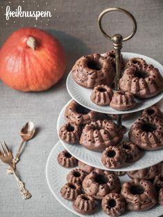 Glutenfrei, laktosefrei, caseinfrei, zuckerfrei & nussfrei: Mini-Gugls mit Kürbispüree und geschmolzener Schokolade, freiknuspern - Rezepte für Allergiker