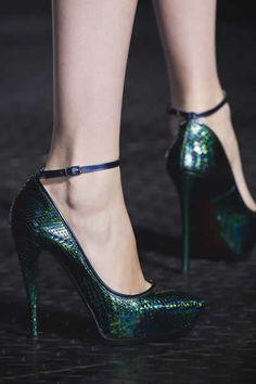 dark green #sizzlingsummerbling @catalogs