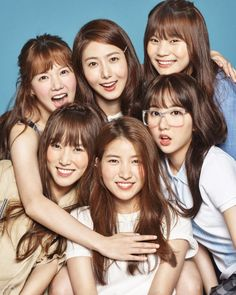 RR : Yeoja Chingu) is a six-member South Korean girl group formed by Source Music in group consists of Sowon, Yerin, Eunha , Yuju , SinB and Umji. They made their debut with the EPSeason of Glasson January GFriend won . Kpop Girl Groups, Korean Girl Groups, Kpop Girls, Extended Play, Namjin, K Pop, Gfriend Profile, Oppa Gangnam Style, Bubblegum Pop