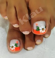 Flower Nail Designs, Pedicure Designs, Toe Nail Designs, Hot Nails, Hair And Nails, Flower Toe Nails, Pretty Toe Nails, Acrylic Nails Coffin Short, Kawaii Nails