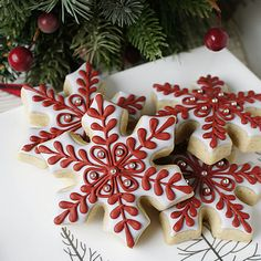 New cookies decorated christmas gingerbread ideas Christmas Sugar Cookies, Christmas Sweets, Christmas Gingerbread, Holiday Cookies, Christmas Baking, Holiday Treats, Christmas Crafts, Christmas Decorations, Christmas Cupcakes