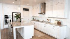 Kitchen Room Design, Home Room Design, Kitchen Redo, Modern Kitchen Design, Home Decor Kitchen, Interior Design Kitchen, Home Kitchens, Kitchen Remodel, Ikea White Kitchen Cabinets