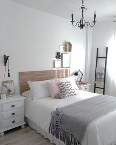 """Teens have unique ideas of what they consider as """"cool bedrooms."""" Teen bedroom themes reflect things such as their personalities, … 