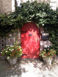 Red gate, Savannah, GA