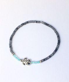 Armbänder - feines Armband mit kleinen Perlen - ein Designerstück von von-Ela bei DaWanda