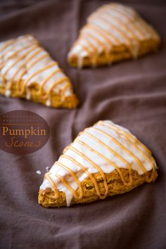 Pumpkin Scones {Starbucks Copycat} - Cooking Classy I want to try these! Pumpkin Recipes, Fall Recipes, Sweet Recipes, Holiday Recipes, Pumpkin Scones Starbucks, Pumkin Scones, Delicious Desserts, Yummy Food, Christmas Desserts