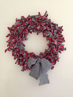 Hometalk :: Easy Sweater Wreath