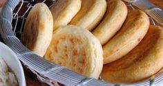 Arepas de yuca Veggie Recipes, Snack Recipes, Snacks, Realistic Cakes, Breakfast Desayunos, Tamales, Vegan, Empanadas, Enchiladas