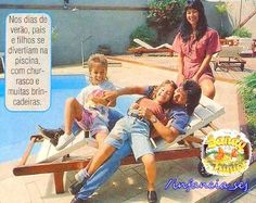 Família+Linda!!+:+A+família+mais+linda+do+Mundo,+num+momento+de+descontração+e+diversão+em+casa+=)  Acho+tão+fofa+essa+foto!!  Papai+Xororó+brincando+com+as+crianças,+e+mamãe+Noely+só+babando+neles,+rs+=)  Sandy+jogada+em+cima+do+pai,+fofa+demais!!+E+o+Ju,+tão+lindo,+ouwn...+♥  Amooooooooo+Muitooooooooo+esse+quarteto+Liiindo+da+Minha+Vida!!!!!!!!!!!!!!!!!!!!!!!!!!!!!!!!!!!!!!!!!!!!!!!  Beijos.  #PriSilva  -+Q...