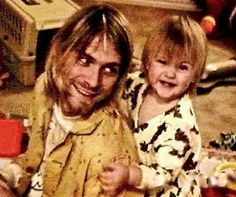 Kurt Cobain with his daughter Frances Bean, around March Supposedly his last photo Courtney Love, Kurt Cobain Photos, Nirvana Kurt Cobain, Frances Bean Cobain, Aberdeen, Tim Burton, Banda Nirvana, Club 27, Donald Cobain