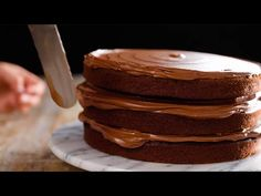 The Best Chocolate Fudge Cake Chocolate Cake Recipe Easy, Chocolate Fudge Cake, Chocolate Recipes, Easy Cake Recipes, Dessert Recipes, My Dessert, Cake Icing, No Bake Cake, Delicious Desserts