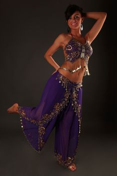 1000 images about costume danse orientale harem d 39 as on pinterest costumes oriental and bustiers. Black Bedroom Furniture Sets. Home Design Ideas
