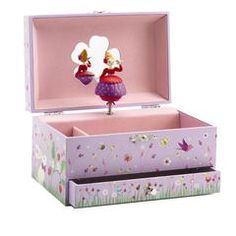 MusicalBoxPrincess - Djeco - Keep treasure safe with this princess music box Princess Music, The Magic Flute, Emergency Equipment, Music Jewelry, Wooden Jewelry Boxes, Toy Boxes, Toy Store, Educational Toys, Decoration