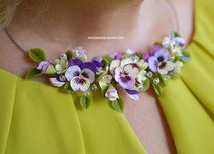 Pansies collane, gioielli fiori del Pansy, collana di fiori di Fimo, gioielli da sposa viola, accessori nuziali, viola e giallo fiori