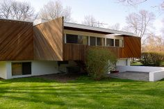 home in Mission Hills, Kansas designed by Marcel Breuer and built in 1955