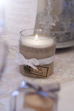 DIY candles linen bougies entourées de lin ruban lanterne zinc mariage normandie ameliage wedding planner organisation mariage 14 28 chemin table dentelle naturelle