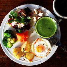 Today's breakfast. Spinach Soup パンカップたまご、ほうれん草の豆乳ポタージュ - @keiyamazaki- #webstagram