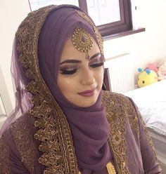 Another stunner bride! Still waiting on to send over some pro pictures so until then this will have to do Make up by the extremely talented Jewellery from Full look coming soon (Hopefully ) Bridal Hijab Styles, Muslim Wedding Dresses, Muslim Brides, Muslim Dress, Muslim Girls, Hijabs, Bridal Outfits, Bridal Dresses, Style Fête