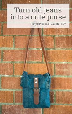 Repurpose an old pair of jeans and a worn out belt into a jean purse with just a little sewing Easy DIY upcycled jeans bag reuse old clothes Sewing Clothes, Diy Clothes, Sewing Jeans, Jean Diy, Reuse Old Clothes, Denim Purse, Techniques Couture, Denim Crafts, Diy Handbag