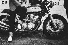 🌈 honda motorcycle motorbike - get this free picture at Avopix.com    📷 https://avopix.com/photo/24259-honda-motorcycle-motorbike    #honda #wheeled vehicle #motorcycle #vehicle #motorbike #avopix #free #photos #public #domain