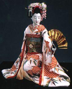 A maiko doll made by Kyoto doll artist Shisui Sekihara.