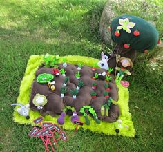 Ideas for klay's garden Crafts For Kids To Make, Gifts For Kids, Diy And Crafts, Sewing Toys, Sewing Crafts, Craft Projects, Sewing Projects, Felt Toys, Felt Christmas