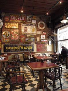 Home bar retro Ideas Pub Interior, Restaurant Interior Design, Cafe Interior Vintage, Restaurant Interiors, Restaurant Furniture, Shop Interiors, Pub Design, Coffee Shop Design, Cafe Bar