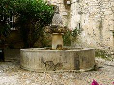 la fontaine aux mascarons Séguret  haut Vaucluse région Provence -Alpes- Côte d'Azur
