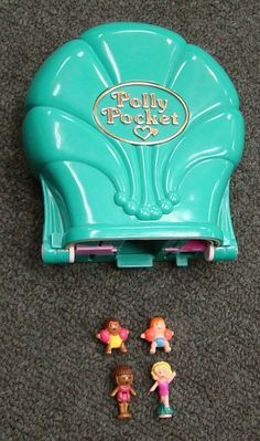 @Gale Mason  Didn't you have Polly Pockets??  I forgot all about these...