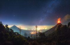 I Photographed Volcano Erupting Under The Milky Way In Guatemala | Bored Panda
