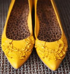 Yellow Wedding Flats ♡ I've been looking for yellow shoes! Yellow Wedding Shoes, Wedding Flats, Yellow Weddings, Summer Weddings, Wedding Colors, Wedding Decor, Real Weddings, Head To Toe, Cute Shoes