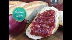 Agaven-Zwiebel Creme | Brotaufstrich & Grillsauce in Einem - Rezept Hot Dog Buns, Hot Dogs, Bread, Dips, Food, Onion Recipes, Sandwich Spread, Crickets, Sauces