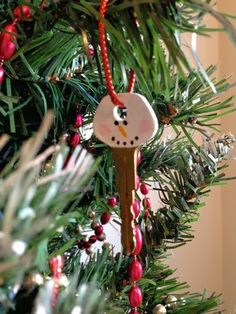 Your place to buy and sell all things handmade Christmas Ornaments To Make, Christmas Snowman, All Things Christmas, Christmas Ideas, Key Crafts, Diy And Crafts, Paint Keys, Office Christmas Decorations, Traditional Christmas Tree