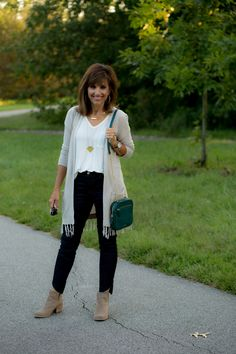 Long cardigan outfit inspiration from Cyndi Spivey.