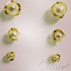 Kit com 3 brincos, um de cada tamanho, folheados a ouro com pérolas. #cassie #semijoia #happy #good #inlove #instagood #likes #look #moda #fashion