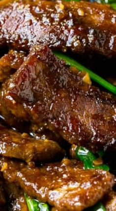 Mongolian Beef - Dinner at the Zoo Bison Recipes, Best Beef Recipes, Easy Asian Recipes, Meat Recipes, Dinner Recipes, Cooking Recipes, Ethnic Recipes, Chinese Recipes, Chinese Food