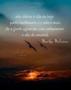 Martha Medeiros https://www.facebook.com/escritoramarthamedeiros