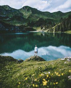 Muốn xách ba lô lên và đi nhưng không có tiền mua ba lô nên ngắm bộ ảnh du lịch…
