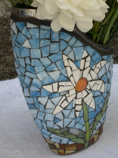 Mosaic Vase with White Daisy by Mosaicsmadewithlove on Etsy, $60.00