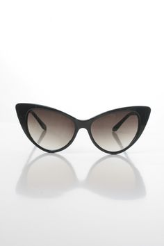 9c4fe5094fe1 Tilly Cat Eye Sunglasses - Black - free when you redeem this item with Chic  Points. Redeem this and