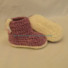 €19. Crochet Purple Booties for a girl 9+ months old. Ready to ship.