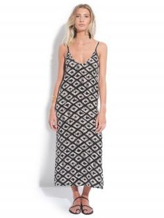 BY MARIE / LONGUE ROBE FENDUE Disponible sur : http://www.bymarie.com/marques/by-marie.html #bymarie #vetement #clothes #boheme #chic #fashion #mode #paris #marseille #sainttropez #chic #bymariestore