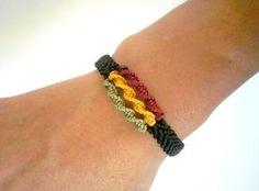 Bracelet homme rasta vert jaune rouge en macramé : Bracelet par stonanka