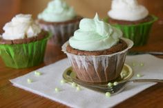 The Sweet {Tooth} Life: Mint Chocolate Brownie Cupcakes
