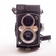 yashica-mat lm : a vintage twin lens reflex camera from ~1958