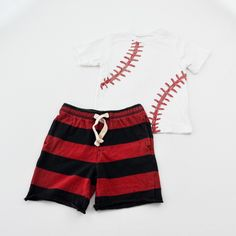 Baseball Bro // Boys 2T Shirt and Shorts- The Children's Place with Gymboree- Click to see the whole 7 piece lot!
