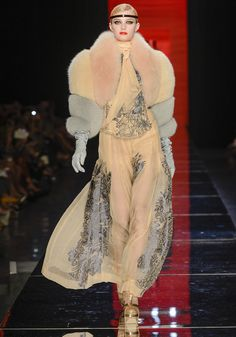 Jean Paul Gaultier Haute Couture Automne-Hiver 2012-2013 ...and I pretend it's fake fur...