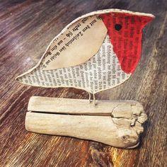 dompfaff-papierdraht-papierdrahtfiguren-papier-treibholz-altebucher/ - The world's most private search engine Driftwood Crafts, Wire Crafts, Wire Drawing, Bullfinch, Newspaper Crafts, Old Books, Recycled Art, Wire Art, Handicraft
