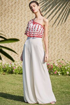 Shop Mandira Wirk Embroidered Overlay Jumpsuit , Exclusive Indian Designer Latest Collections Available at Aza Fashions Dress Indian Style, Indian Fashion Dresses, Indian Designer Outfits, Ethnic Fashion, Fashion Outfits, Indian Wedding Outfits, Indian Outfits, Designer Party Wear Dresses, Ethnic Outfits